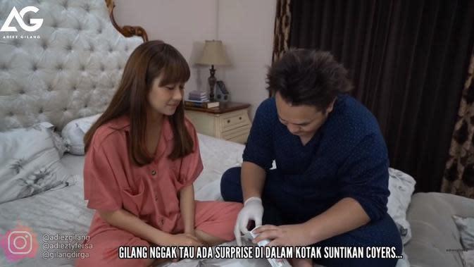 Gilang Dirga dan Adiesty Ferza (Sumber: YouTube/Adiez Gilang)