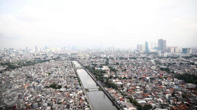 Prediksi BMKG pagi hari Jabodetabek akan cerah berawan, lalu bagaimana dengan siang dan malam? (Foto: Liputan6.com/Faizal Fanani)