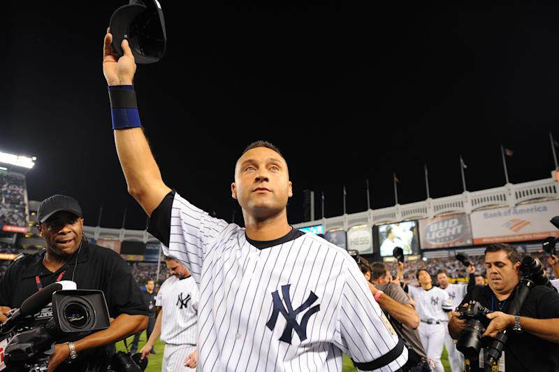 BRONX, NY - SEPTEMBER 21: Derek Jeter, captain of the New York Yankees tips his cap to the fans after the final game ever at Yankee Stadium between the Baltimore Orioles and the New York Yankees at Yankee Stadium in the Bronx, New York on September 21, 2008. The Yankees defeated the Orioles 7-3. (Photo by Rich Pilling/MLB via Getty Images)