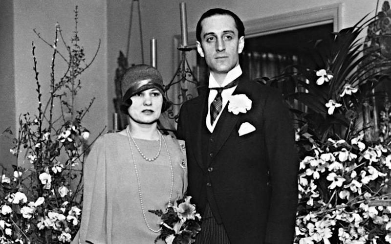 Rathbone and Ouida, at their wedding in New York in 1926 - Everett Collection Inc / Alamy Stock Photo