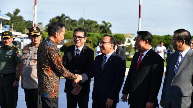 Jokowi bertolak ke Abu Dhabi, UEA melalui Lanud Halim Perdanakusuma, Jakarta Timur, Minggu (12/1/2020). (dok. Biro Pers Sekretariat Presiden)