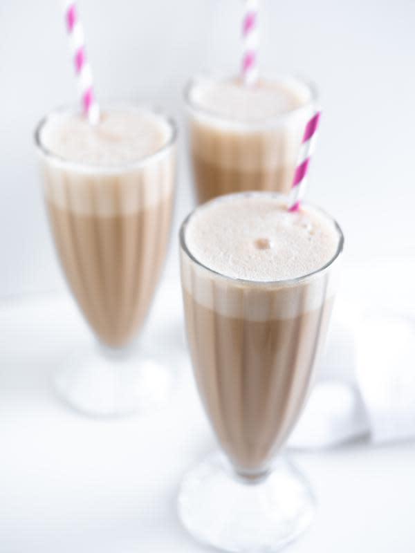 Ilustrasi Milkshake (Photo by Rirri on Unsplash)