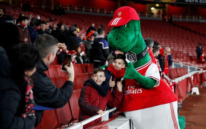 Ozil offers to pay salary of Arsenal mascot Gunnersaurus