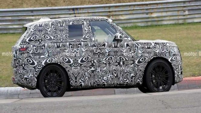 Model Terbaru Range Rover Tepergok Digeber di Sirkuit
