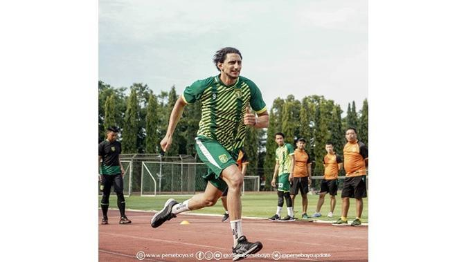 Cetak Dua Gol, Ini 5 Aksi Mahmoud Eid Latihan Serius Bersama Persebaya (sumber: Instagram.com/officialpersebaya)