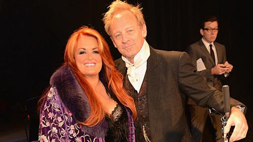 ET FIRST: Wynonna On Husband's Near Death Accident
