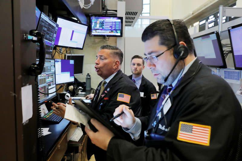 Oil jumps 10%, U.S. stocks rebound after market rout