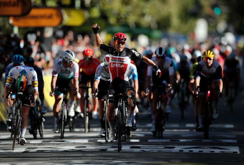 Ewan outsmarts Bennett to win Tour stage three as Alaphilippe retains lead
