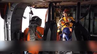 登山客跌倒腿骨折 空勤總隊救援