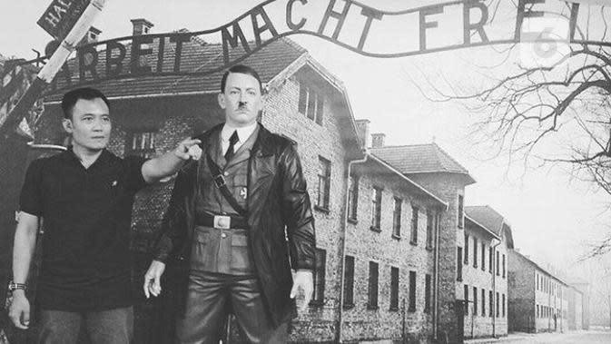 Toto Santoso berpose di samping patung Hitler untuk kemudian ia meniru seragam tentara NAZI menjadi seragam para punggawa kerajaannya. (foto: Liputan6.com/Instagram/Edhie Prayitno Ige)