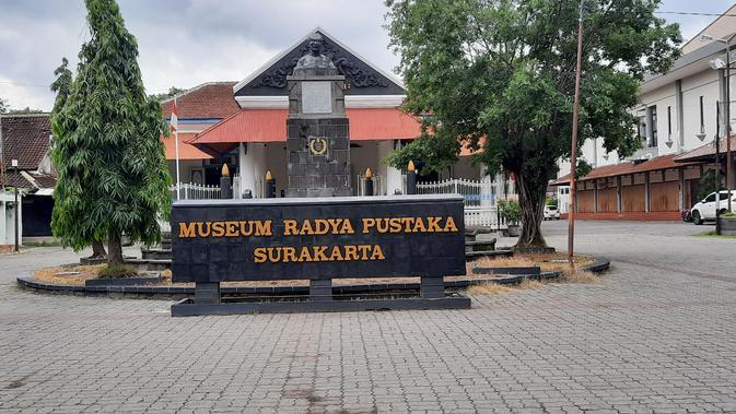 Museum Radya Pustaka yang terletak di kawasan Taman Sriwedari. (Liputan6.com/Fajar Abrori)