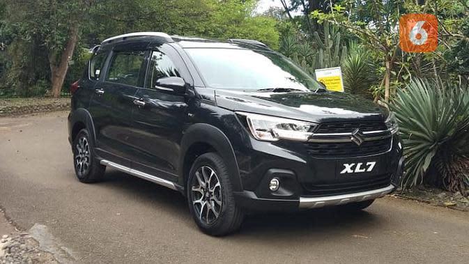 Sebagai medium SUV, Suzuki XL7 memiliki tampilan yang gagah.(Septian/Liputan6.com)
