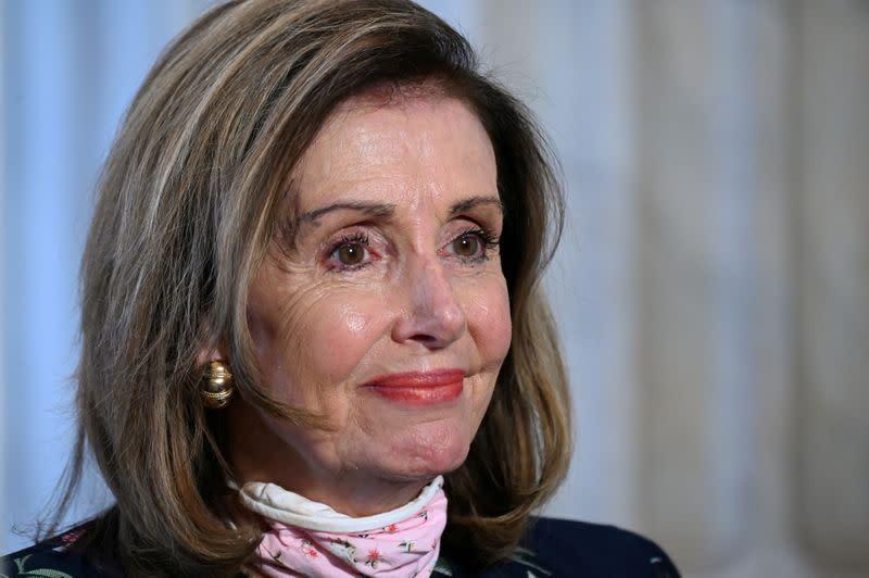 Pelosi says Democrats, White House close on coronavirus relief bill