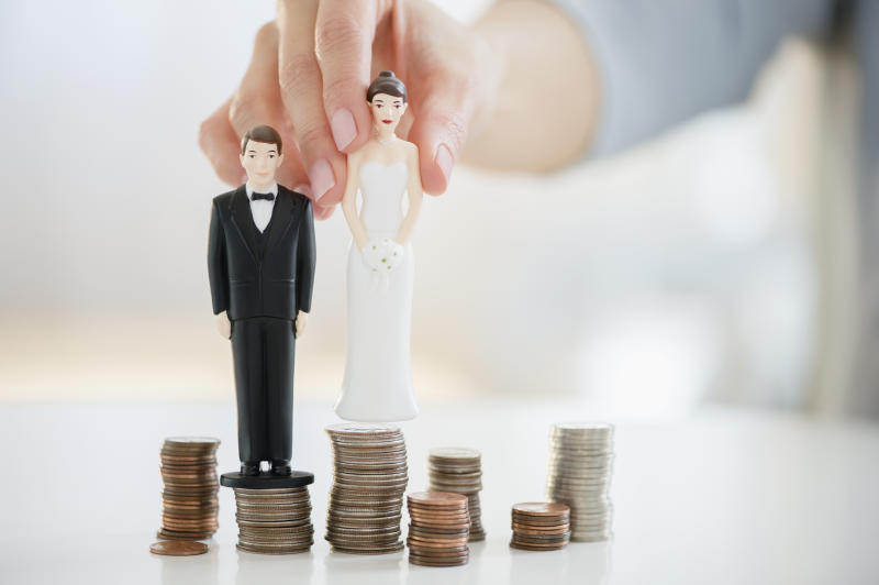 Bride and groom pocket $30k in donations then cancel wedding