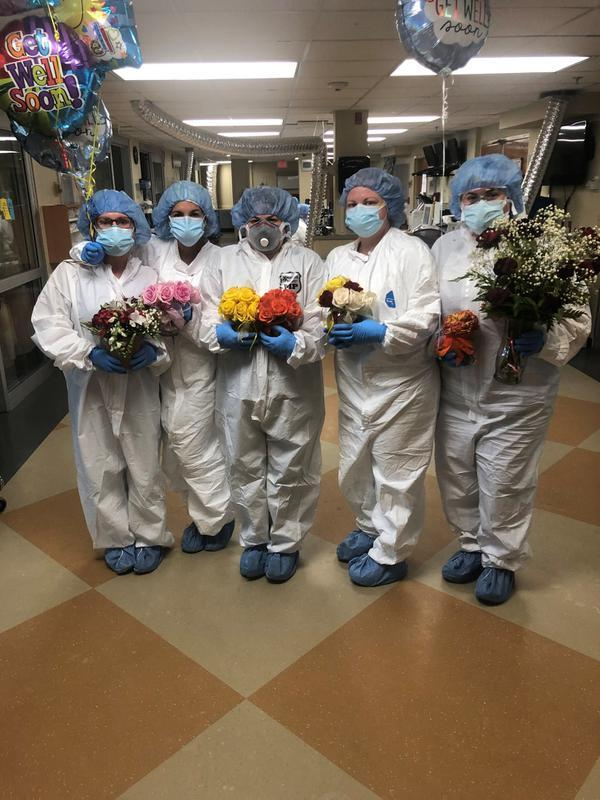 Seorang suami mengirimkan bunga setiap hari untuk sang istri yang terinfeksi COVID-19 (Foto: Facebook/Lafayette General Health)
