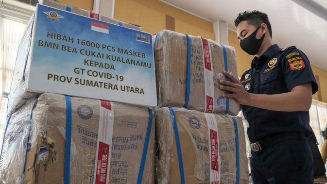 Bea Cukai Kualanamu Hibahkan 16 Ribu Masker ke Gugus Tugas Covid-19 Sumut