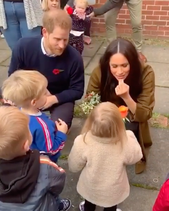 Meghan tells some tots that baby Archie now has two 'tiny' teeth. Photo: Instagram/sussexroyal.
