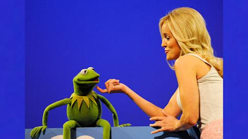 'Bachelorette' Hopefuls Perform with The Muppets