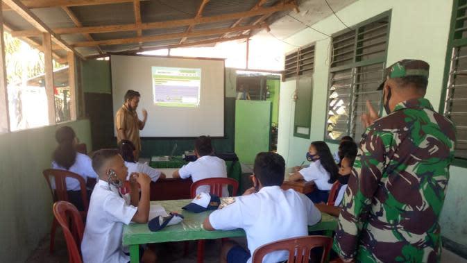 Ketika Para Tentara Ikut Bantu Siswa Belajar Daring di Wilayah Sulut Kepulauan