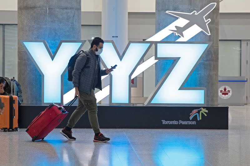 Corporate Canada joins travel industry's push to ease COVID-19 air curbs