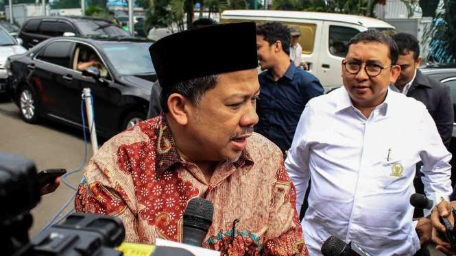 Raih Bintang Jasa, Fahri Hamzah dan Fadli Zon Berhak Dimakamkan di TMP