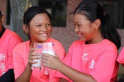 營養鮮奶為孩子的夢想加油