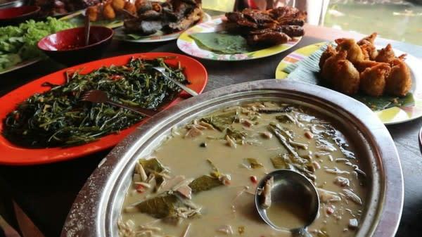 Kuliner dan Wisata di Kampung Flory, Kamu Bisa Lakukan 12 Hal Seru Ini