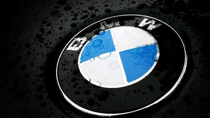 BMW dan Mercedes-Benz Sepakat untuk Setop Bekerja Sama