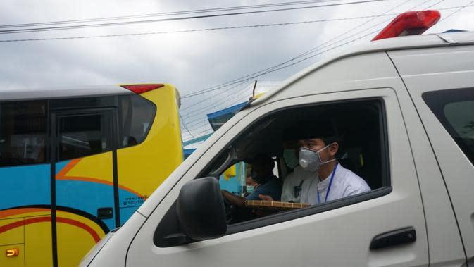 Gibran Ikut Ambulans Antar Sang Nenek, Ibu Jokowi
