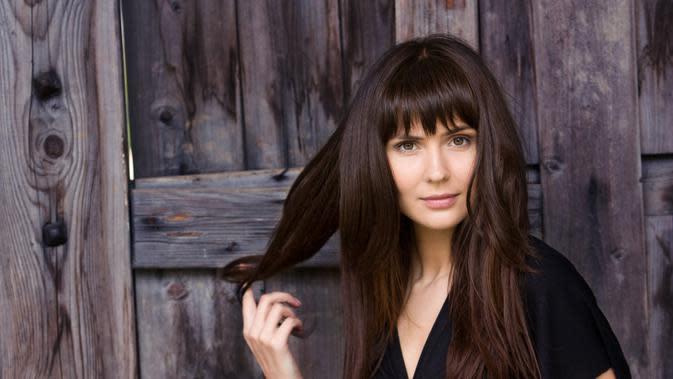 ilustrasi rekomendasi gaya rambut berponi/Lia Koltyrina/shutterstock
