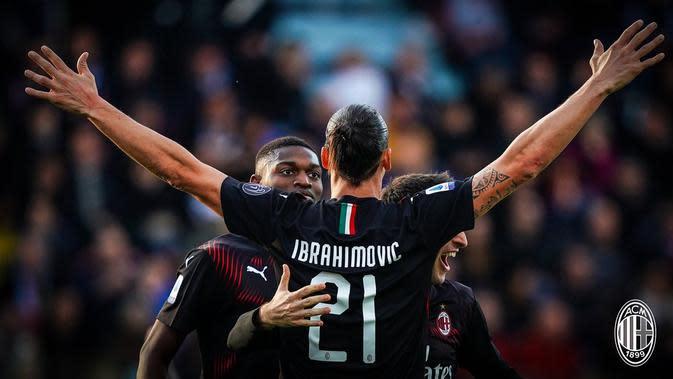Zlatan Ibrahimovic merayakan gol yang dicetaknya ke gawang Cagliari. AC Milan unggul 2-0. (Dok. AC Milan)