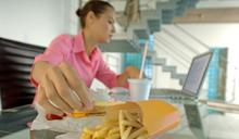 為什麼上班後會越變越胖?尤其是「這個職業」的女性都會大發胖!10關於女人默默變胖的秘密,妳一定要知道
