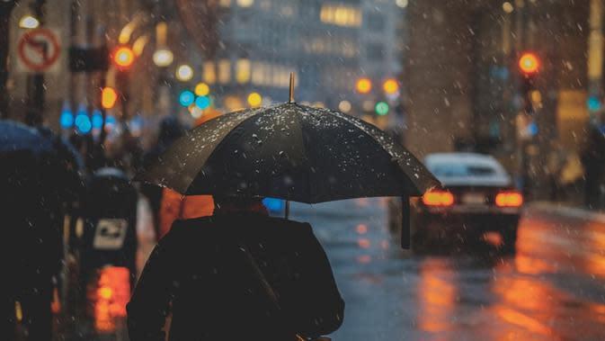 Ilustrasi hujan. Sumber foto: unsplash.com/Osman Rana.