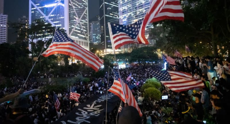 你對於美國眾議院通過《香港人權與民主法案》,有什麼看法?