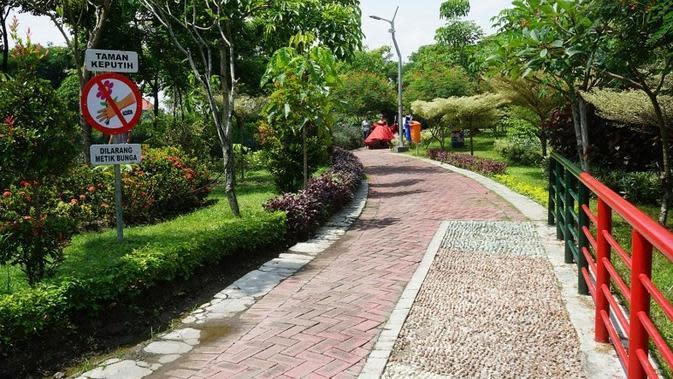Keindahan Taman Harmoni Surabaya (sumber: humas.surabaya)