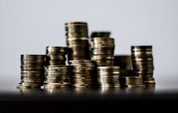 2 Quality Dividend Stocks to Add to Your RRSP