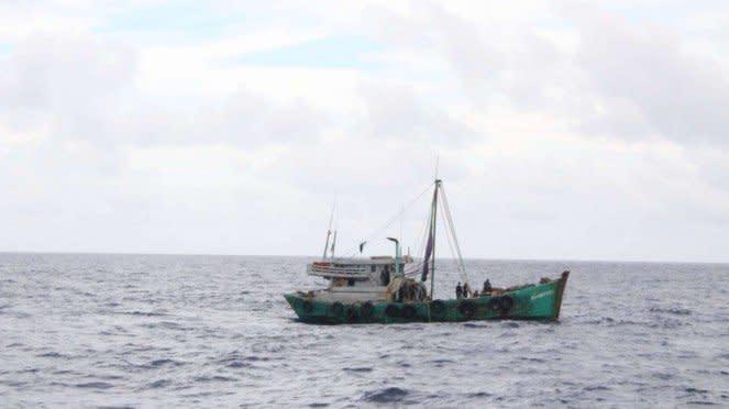 VIVA Militer: Kapal Ikan Asing Vietnam di Perairan Laut Natuna Utara