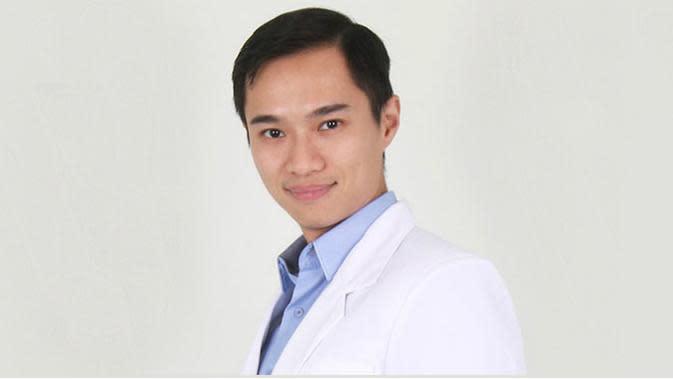 dr. Aron Husink, Sp, JP dari Rumah Sakit EMC Tangerang.