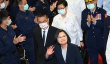 蔡總統出席警專75週年校慶揮手致意(2) (圖)