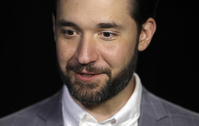 Reddit Co founder Resigns