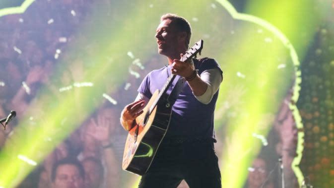 Lirik Lagu Hymn For The Weekend - Coldplay