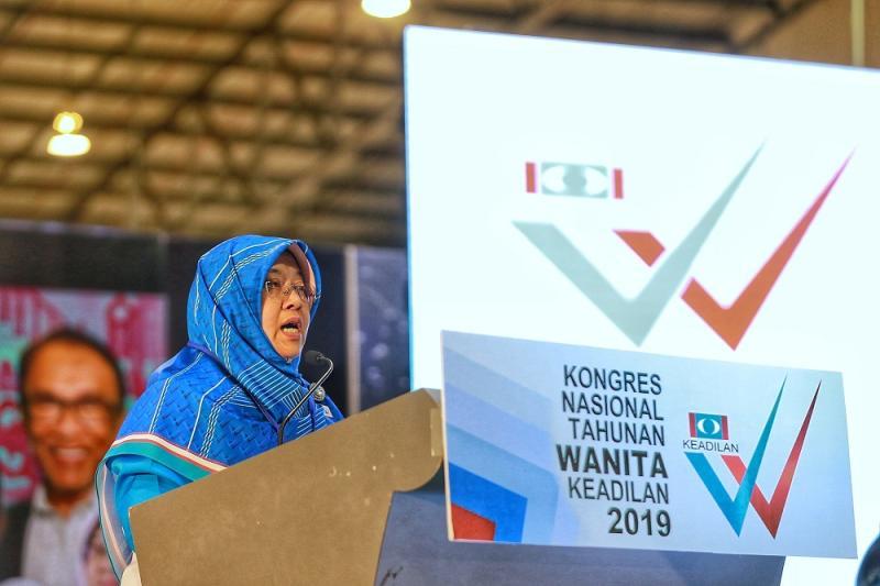 Wanita PKR president Haniza Mohamed Talha delivers her speech during the PKR Women's National Congress in Melaka December 6, 2019. — Picture by Ahmad Zamzahuri
