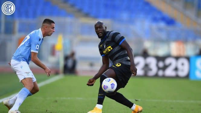 Diwarnai 2 Kartu Merah, Duel Lazio Vs Inter Milan Berakhir Antiklimaks