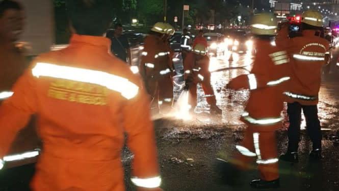 Kebakaran di Jalan Juanda Jakarta pada Kamis Dini Hari