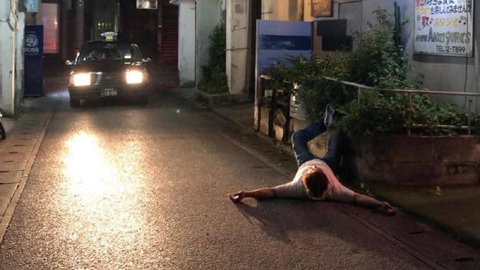 Tidur di jalan jadi fenomena unik di Okinawa, Jepang, belakangan ini (Dok.Instagram/@zarami18/https://www.instagram.com/p/BngEKSUAAXN/?utm_source=ig_embed/Komarudin)