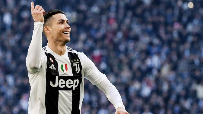Bintang Juventus, Cristiano Ronaldo, pernah berkostum Manchester United (MU). (AFP/Marco Bertorello)