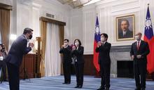 致賀雙十國慶 總統副總統接見15國外賓