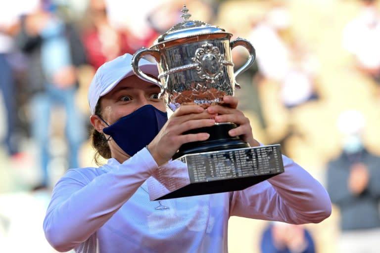 'Poland Garros': Swiatek powers to landmark French Open triumph