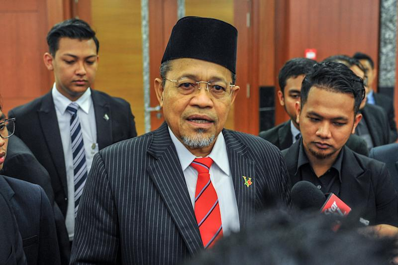 Arau MP Datuk Seri Shahidan Kassim accused DAP of 'seemingly exuding the impression' that rude antics are permissible anywhere. — Picture by Firdaus Latif