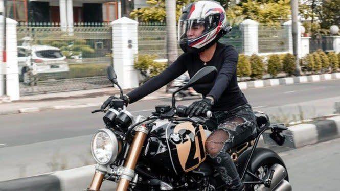 Nikita Mirzani Jual Moge Rp750 Juta, Buat Tambahan Beli Mobil